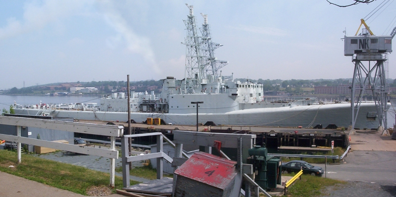 HMCS GATINEAU and TERRA NOVA