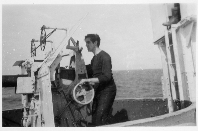 HMCS MAYFLOWER's aft Pom-Pom Gun