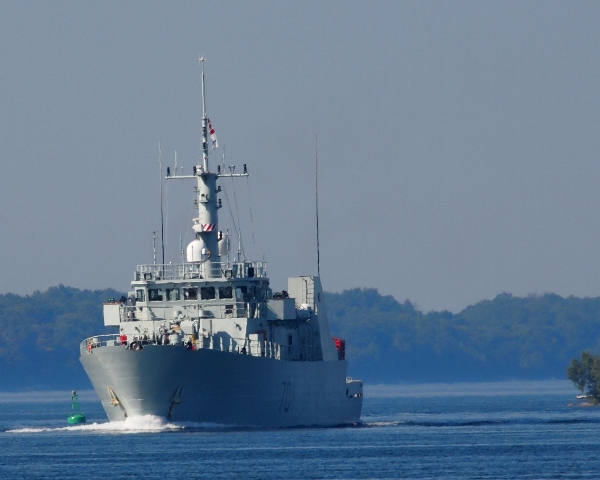 HMCS GLACE BAY transits the St. Lawrence River following a successful Great Lakes Tour, 15 July 2013.  Roger Litwiller Collection, Photo courtesy Roger Litwiller. (RTL56682)