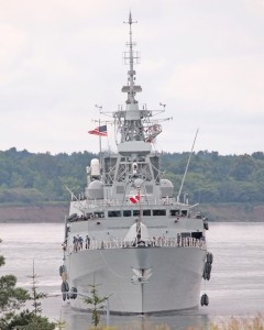 HMCS TORONTO Ready to Lock Through