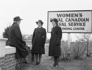 Women's Royal Canadian Naval Service. Credit: Lt Kenneth George Fosbery / Canada. Dept. of National Defence / Library and Archives Canada / PA-153499