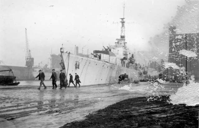 HMCS IROQUOIS in Belfast during WWII, unknown date. Roger Litwiller Collection, Lynford Bourne, RCNVR photo, courtesy Battle of Atlantic Place. (RTL-LRB020)